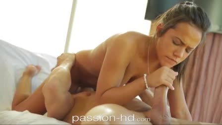 Amazing blondes Mia Malkova and Kali Roses give blowjob
