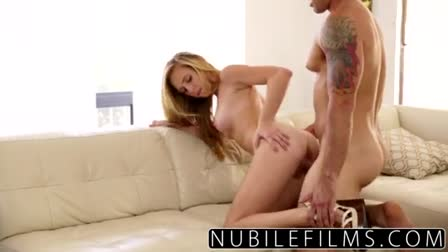 (aubrielle summer) Freak Girl Play With Crazy Sex Things In Front Of Cam mov 06