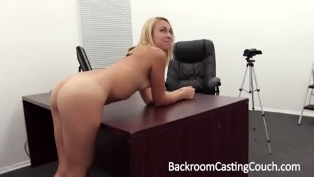Beautys oral makes man wants to spew cream