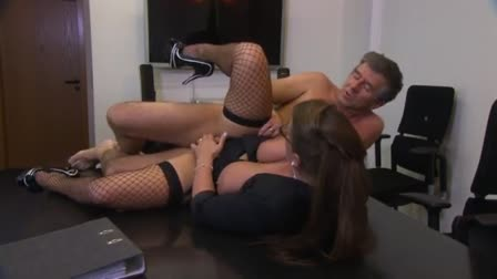 Big woman doxy fucked in all of her holes by dick