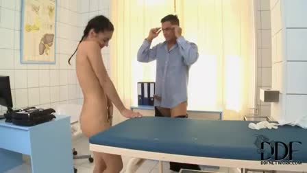 Brunette Mandy Muse gets assfucked doggystyle