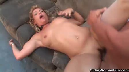 Sweet hottie Halle Von sweetening up a fucking hard